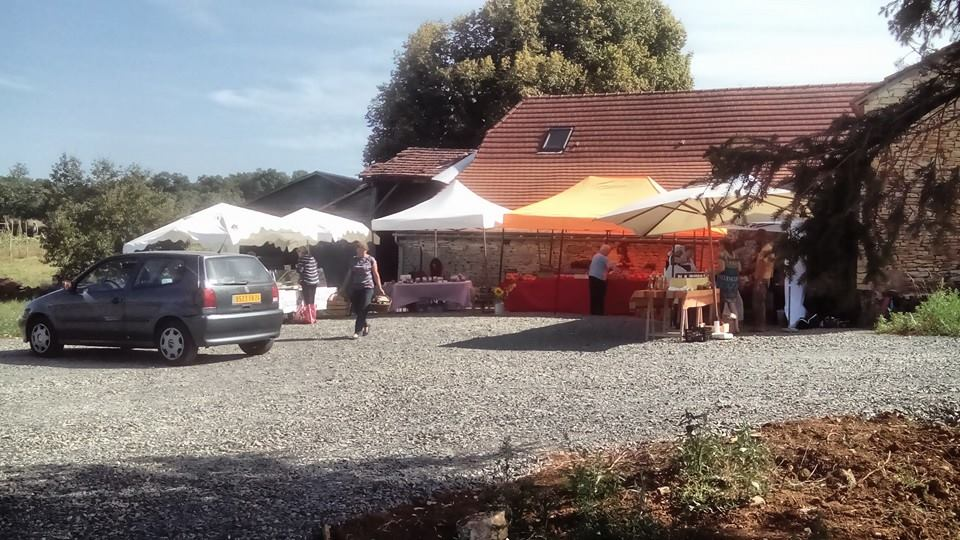 Aire camping-car à Sainte-Orse (24210) - Photo 5